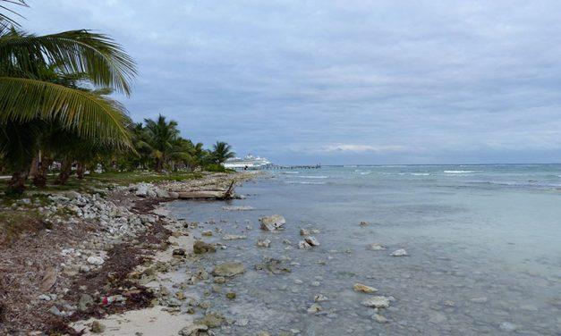 Spot  89 : Mahahual sur le bord du Malecon